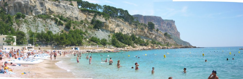 cassis_beach_panorama