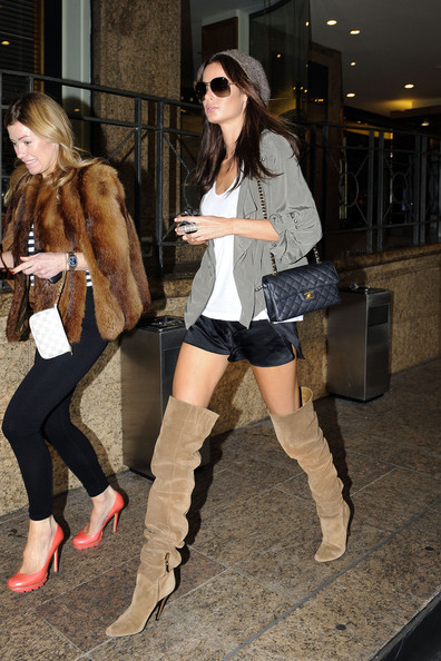 Nicole+Trunfio+Boots+Over+Knee+Boots+ayNkpp1RPzvl