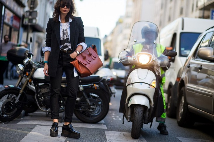 street-chic-13-Paris-SS16-Day-1-street-chic-vogue-02oct15-daniel-grandl_b_1080x720